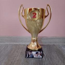 Trofeu personalizat cu 2...